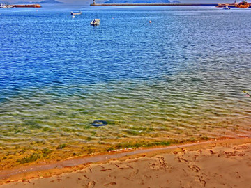 鞆の浦鞆港の水際